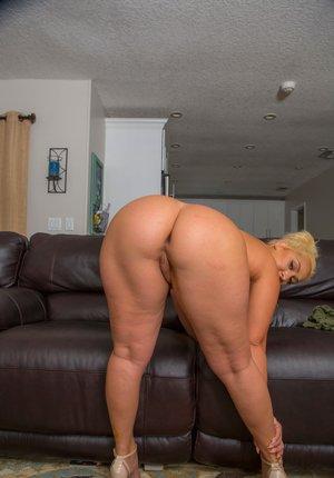 Chubby Milf Porn
